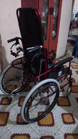 Se vende silla de ruedas ortopédica
