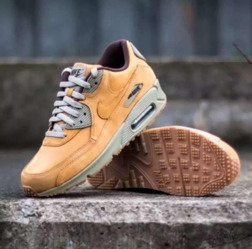 Nike Air Max 90 0