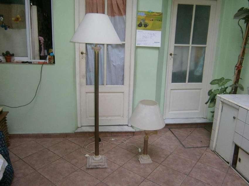 lampara de pie con base de marmol nueva 0