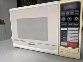 Horno tostador y microondas