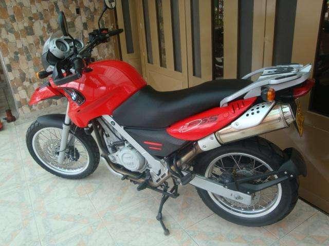 VENDO O PERMUTO  MOTO BMW 650 0