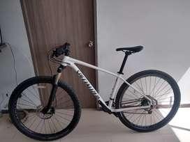 Bicicleta specialized rockhopper expert rin 29