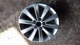 Llanta Aleacion Original Volkswagen Fox 15/suran 10 Rayos
