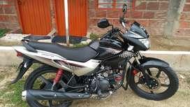 Moto Hero Glamour