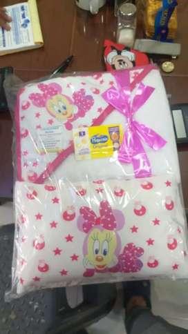 En Baby Chloe tenemos todo para su bebe, desde ropa, accesorios y mucho más.