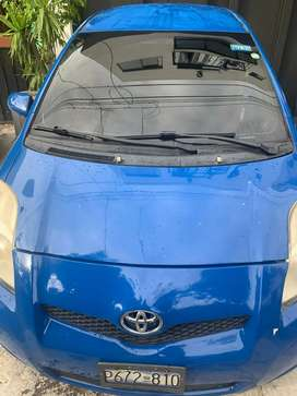 Toyota Yaris 2010 negociable (no cambio)