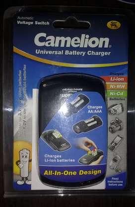 Cargador universal camelion