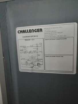 Nevera challenger serie titanium.. REF CR372B 270 lt casi nueva muy poco uso estado 10/10