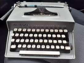 ANTIGUA Máquina de escribir(pequeña)REMINGTON  VINTAGE, NEGOCIABLE.
