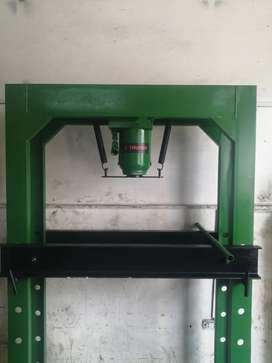 Vendo prensa hidráulica de 50 toneladas nueva marca truper