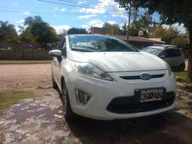 Vendo Ford Fiesta Kinetic Titanium 1.6 con GNC