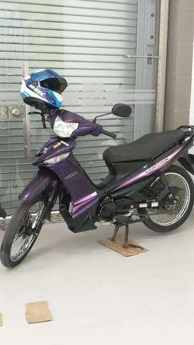 Yamaha crypton púrpura negra