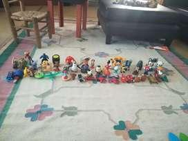 Muñecos y personajes McDonald's y burger king de diferentes películas y personajes