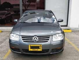 Volkswagen Jetta Europa 2.0 Gris Platino