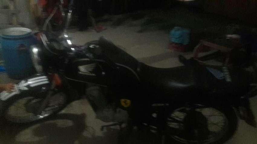 Vendo Moto Cb1 0