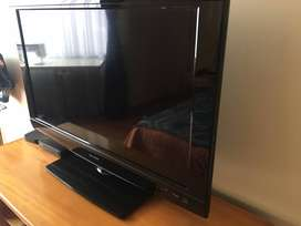 "Televisor 32"" LCD SHARP LC32D47U HD"