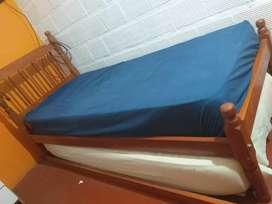 Cama y 1 colchón