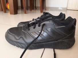 Vendo zapatos adidas originales negociables