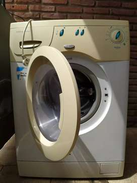vendo urgente lavarropa usado, carga frontal para repuesto o reparación, no carga agua
