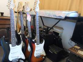 4 FENDER STRATOCASTER HIGHWAY ONE MADE IN USA DE 1330 A 1490 US CADA UNA