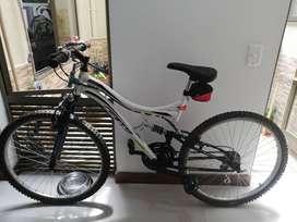 Venta Bicicleta GW Dione 8.4 blanca usada