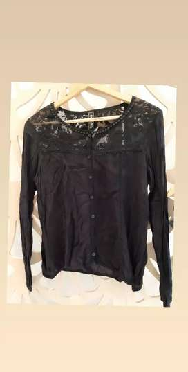 Blusa 47 street talle S impecable