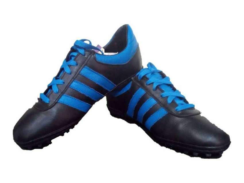 zapatillas para futbol de sala en cuero 0