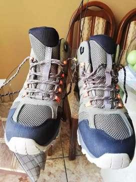 Zapatillas americanas   marca MERRRELL Hikers de cuero y gamuza  ORIGINALES con membrana resistente al agua