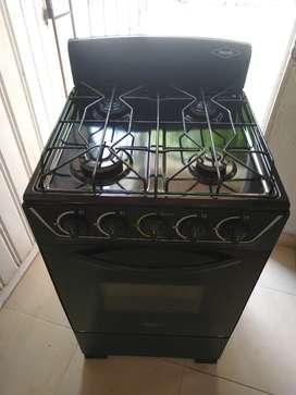 Vendo estufa 4 quemadores y horno a gas marca HACEB