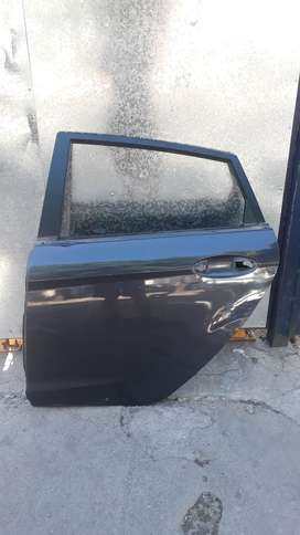 Puerta Ford Fiesta Kinetic