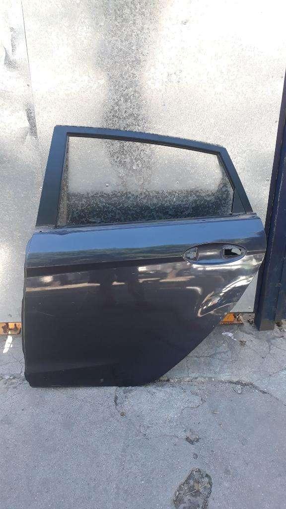 Puerta Ford Fiesta Kinetic 0