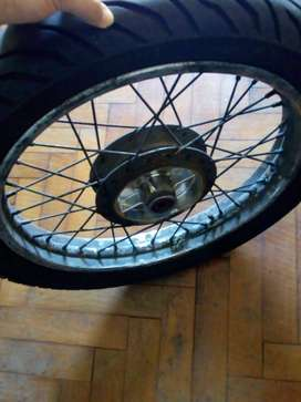 Rueda trasera ´18 +neumatico pirelli supercity 100-90-18