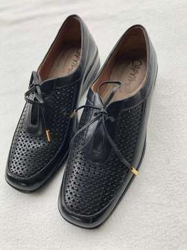 Comodos, elegantes y finos zapatos Caprino Talla 37