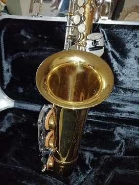 Vendo Saxofon Alto Conn 20m Americano