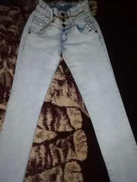 3 jeans de dama por el precio de uno