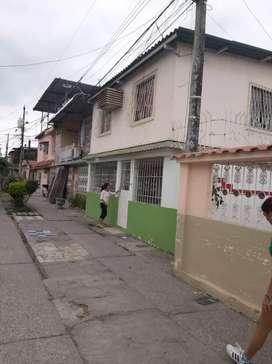 Venta de Casa 2 pisos Independiente