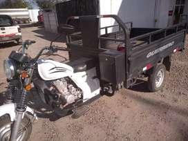 Vendo moto carga guerrero 200cc