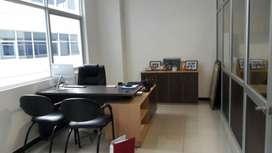 O03 - Alquiler oficina 55 metros Edificio Xima Samborondón - Alquilo