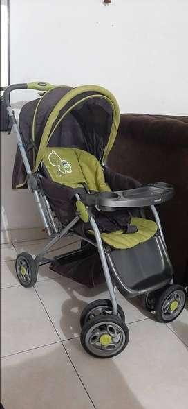 Vendo coche y corral para bebé unisex
