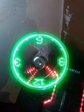 Vendo reloj LED USB ventilador cambio x casco para Moto