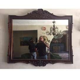 Espejo en madera caoba