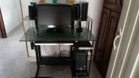 Computador de escritorio con pantalla lg,mouse,teclado,tarjeta de televisión