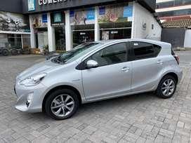 Toyota, Prius C Sport (1500 CC) - Hatchback (5 Puertas) en Ambato, año 2017