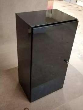 Gabinete auxiliar puerta sencilla para cocina o baño. Valor por unidad.