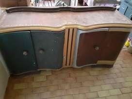 Mueble enchapado en cedro antiguo CÓRDOBA CAPITAL