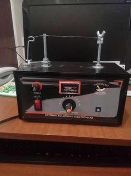 Máquina para cortar cintas y cordones