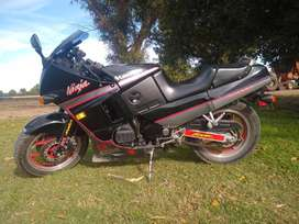 Vendo Kawasaki ninja zx6 modelo 92