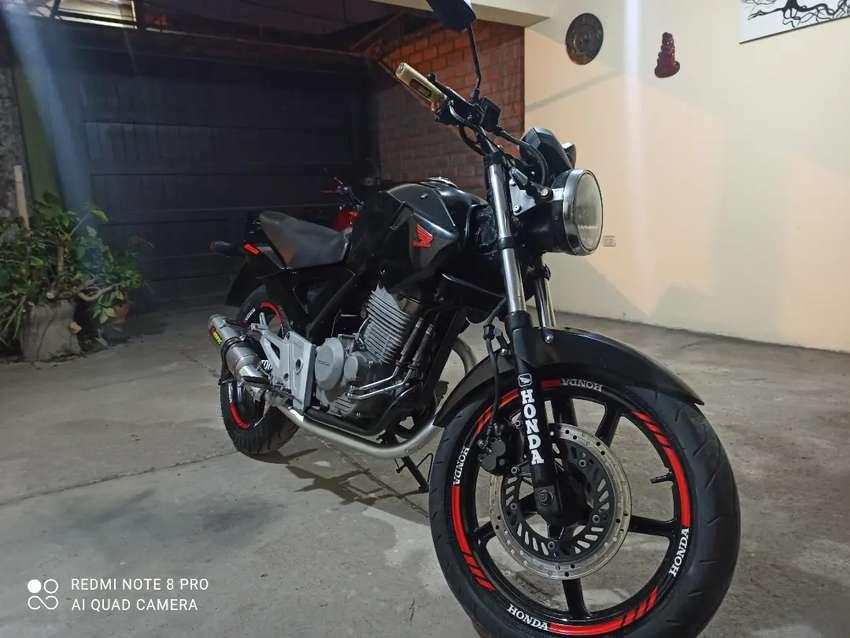Vendo mi moto cbx twister250