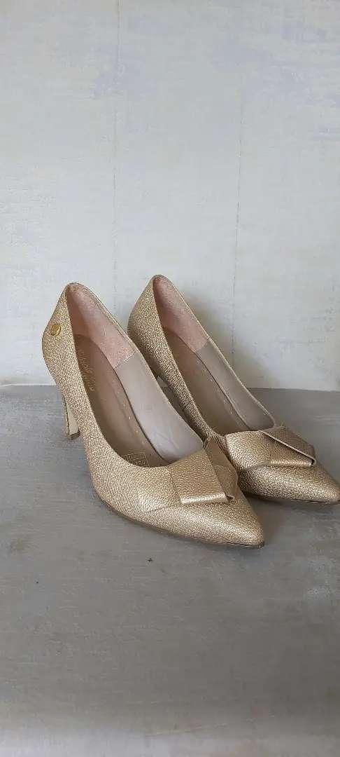 Zapatillas Dama CUERO Tacón 7.5 Marca: Patricia Shoes