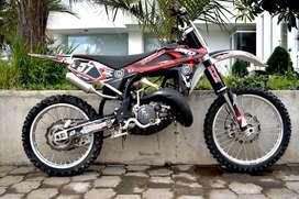 HUSQHusqvarna CR 125, moto en perfecto estado, papeles al día